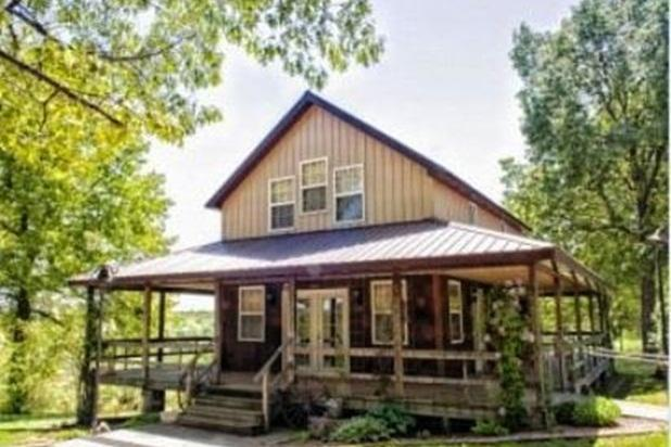 Charmingly Country, Quiet, with Pool - Image 1 - Macks Creek - rentals