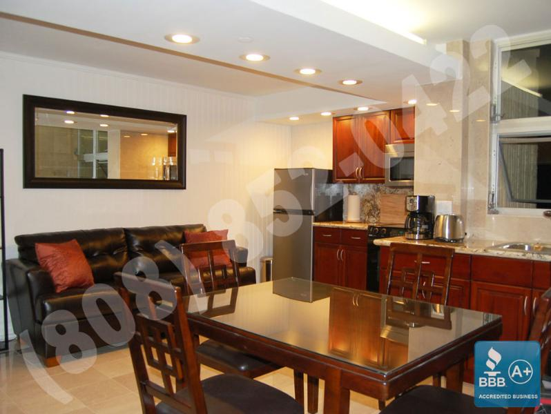 Unit with full kitchen and either a Queen size bed or sofa-bed in Living-room. - Premium 1 bedroom OV w/kitchen at Royal Garden. - Waikiki - rentals