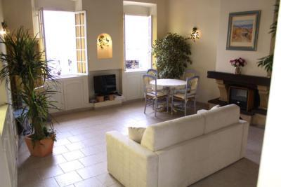 Studio Port, Charming Rental in Great Cannes Location - Image 1 - Cannes - rentals
