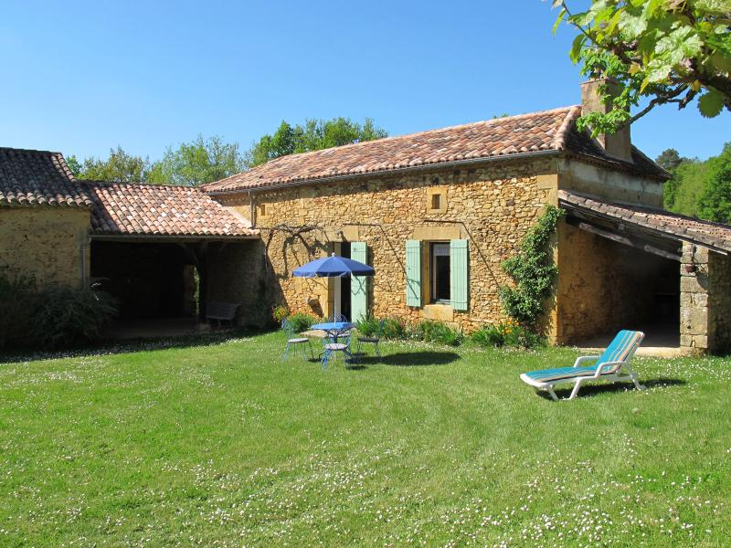 Quiet typical French cottage (gite) in the Dordogne - Image 1 - Marsales - rentals