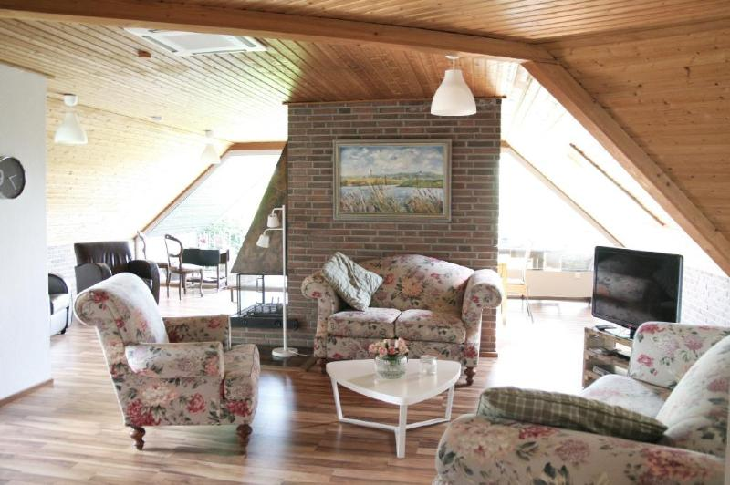 LLAG Luxury Vacation Apartment in Emmerich am Rhein - 1399 sqft, central, comfortable, natural (# 4125) #4125 - LLAG Luxury Vacation Apartment in Emmerich am Rhein - 1399 sqft, central, comfortable, natural (# 4125) - Emmerich - rentals