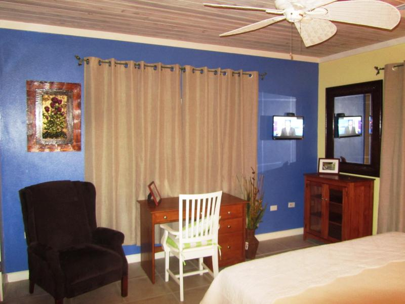Bedroom - Garden and Sea View Suite - Eleuthera - rentals