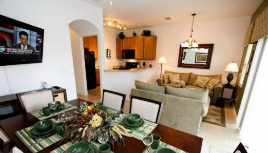 4 Bed 3 Bath Townhome in Gated Resort Community. 3081YLL - Image 1 - Orlando - rentals