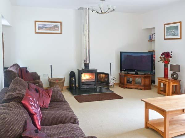 GLEN VIEW, barn conversion with woodburner, en-suites, pet-friendly, next to a glen, near Beauly, Ref 913531 - Image 1 - Struy - rentals