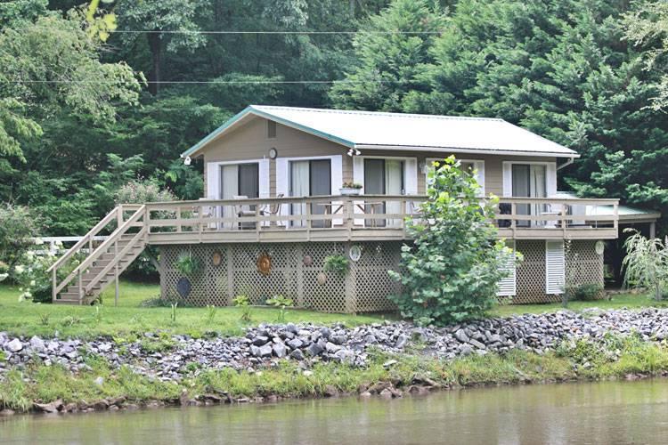 Country Cottage - Image 1 - Sylva - rentals