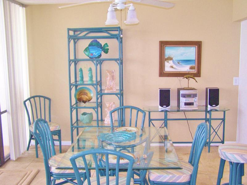 Beach front, Gulf Front floor to ceiling glass spans the entire south side of the condo. Views! - Nice 4th floor beach front  Terrific Gulf Views - Panama City Beach - rentals