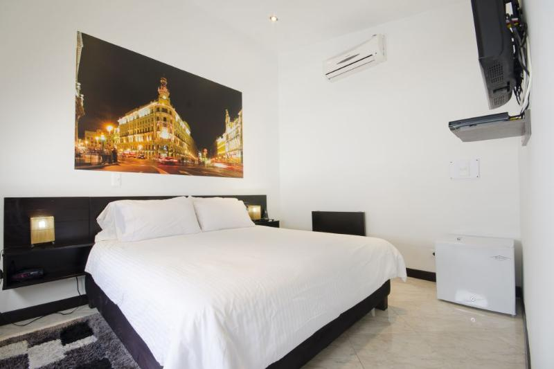 Bargain Priced Apartment Suite - Image 1 - Medellin - rentals
