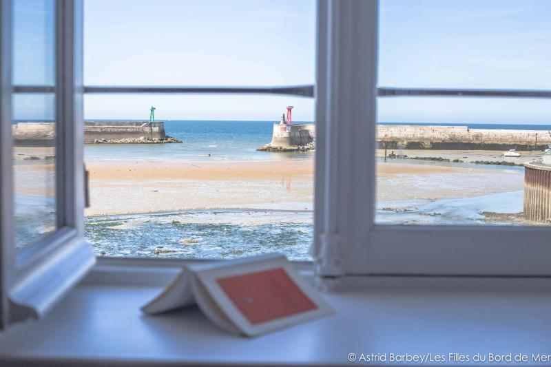 1st floor, sea view from the master bedroom - SEA FRONT, D-Day beaches, large & nice house 6p. - Port-en-Bessin-Huppain - rentals