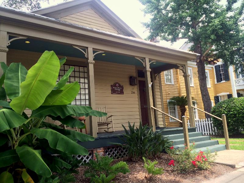 Street Side - Executive Suite: Seville Square Home - Pensacola - rentals