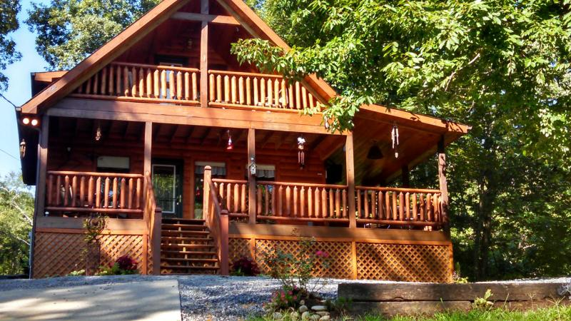 Come stay at our private yet conveniently located cozy cabin. - Image 1 - Sevierville - rentals