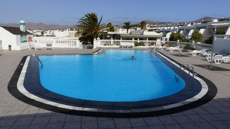 Private swimming pool - Lovely Seaview Apartment in Lanzarote - Puerto Del Carmen - rentals