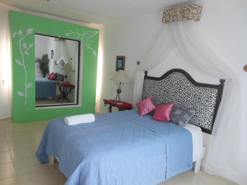 WHOLE HOUSE ONLY FOR YOU - Image 1 - Cancun - rentals