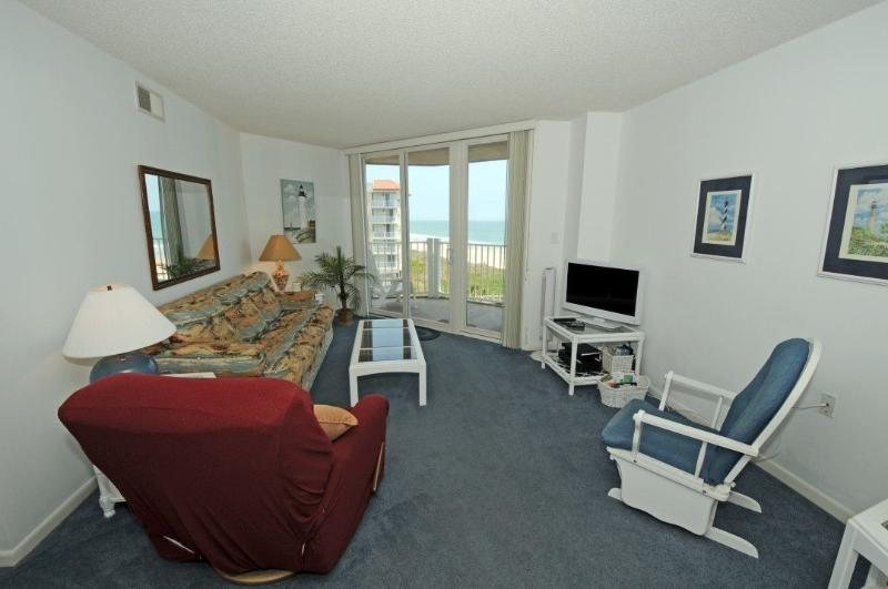 Living Room - St. Regis 2511 Oceanfront! | Indoor Pool, Outdoor Pool, Hot Tub, Tennis Courts - North Topsail Beach - rentals