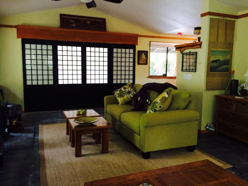 Livingroom - Tsugi Teahouse at Volcano Hot Tub/ fireplace165.00 - Volcano - rentals