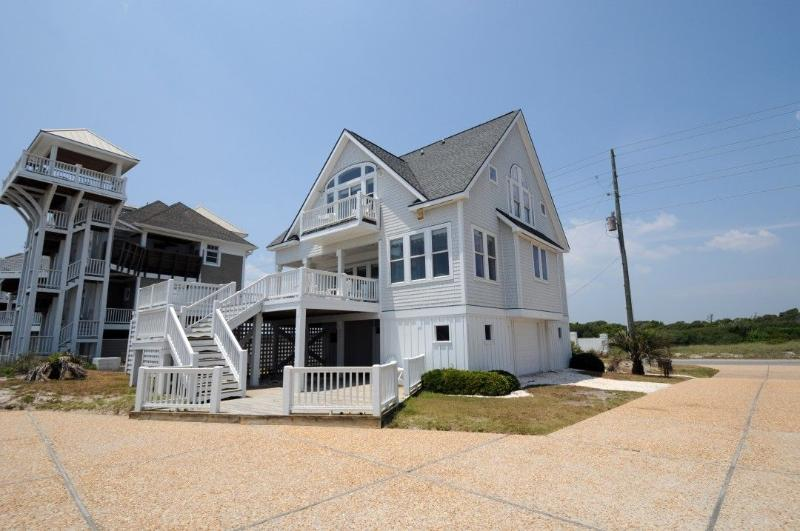 4150 Island Drive - Island Drive 4150 Oceanfront-B Lot! | Internet, Hot Tub, Community Pool, Jacuzzi - North Topsail Beach - rentals