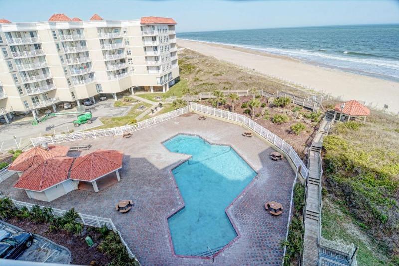 St. Regis Pool - St. Regis 2609 Oceanfront! | Indoor Pool, Outdoor Pool, Hot Tub, Tennis Courts - North Topsail Beach - rentals
