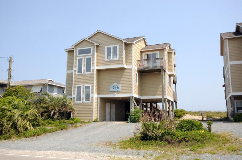 1710 S Shore Dr - S. Shore Drive 1710 Oceanfront! | Internet, Fireplace, Hot Tub, Pet Friendly - Surf City - rentals