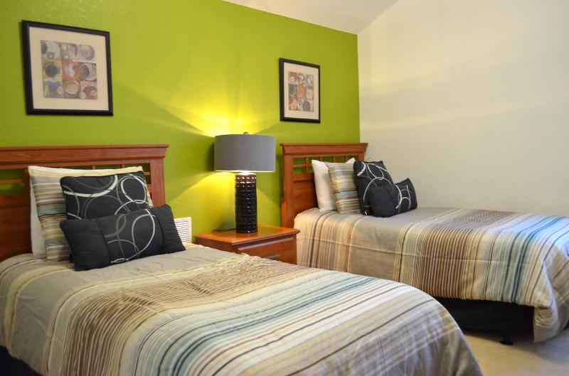 bedroom 4 - Docters Orders Luxe Villa - Davenport - rentals