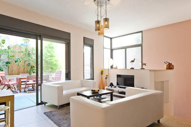 Living room - Quiet Spacious Duplex Near Tel Aviv Beach - Tel Aviv - rentals