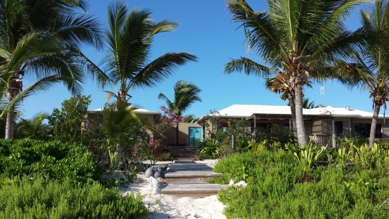 DATAI-VILLA  Your beachfront villa on North Caicos - Image 1 - Whitby - rentals