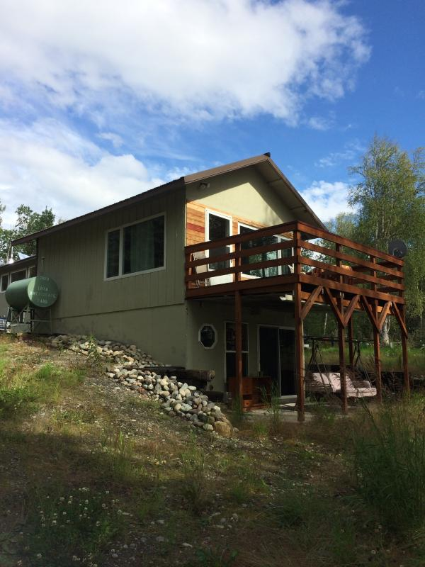 Covered lower patio for rain - Cabin on Quiet Lake in Willow Alaska - Willow - rentals