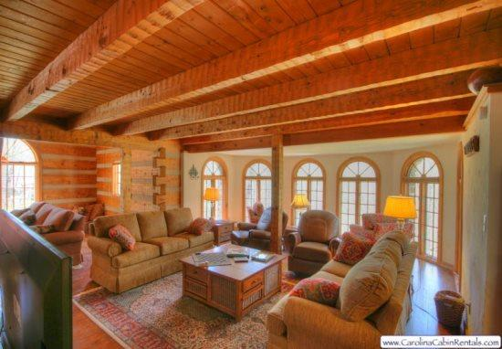 Big Rock Lodge Main Living Area with 60 Flat Screen TV - Big Rock Lodge - Banner Elk - rentals