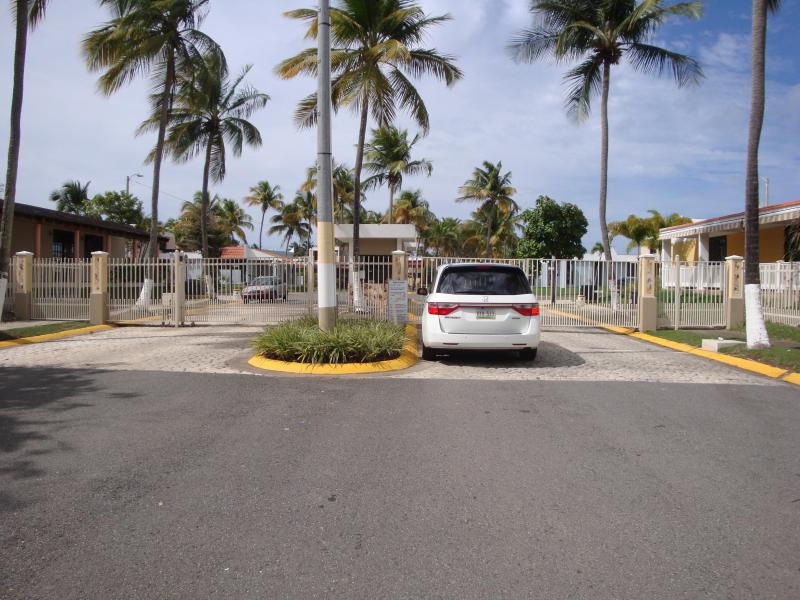Cool beach house in Luquillo - Image 1 - Luquillo - rentals