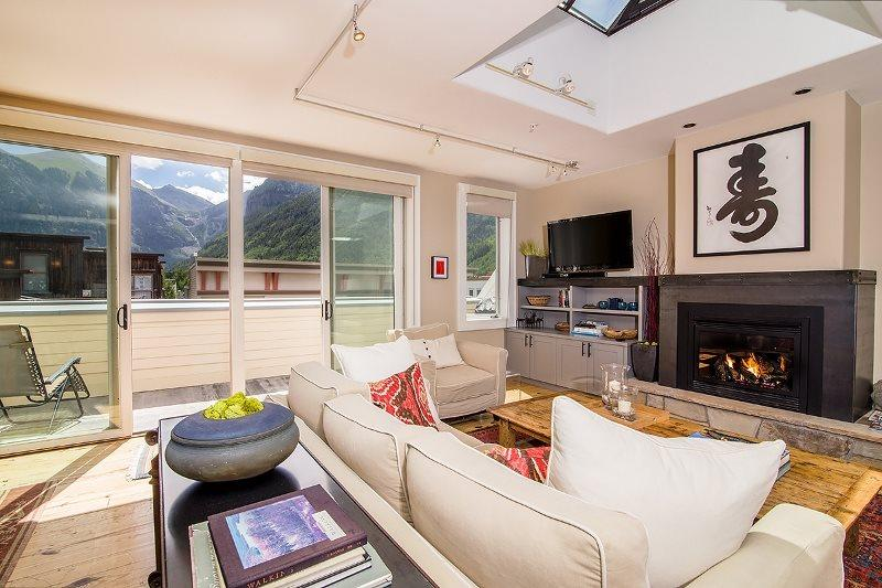 Spacious Living Area - Tons of Natural Light - Gas fireplace - Bright, Modern Furnshings - Diamondtooth Penthouse Unit 2 - 2 Bd / 2.5 Ba - Sleeps 4 - Deluxe Condo - Ideal Central Location - 2 Blocks from Ski Area & Town Park - Telluride - rentals
