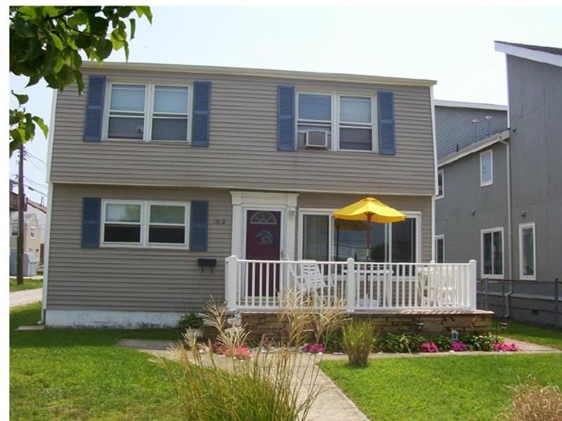 Beach House - Beach Block, Great Location, Popular Beach - Brigantine - rentals