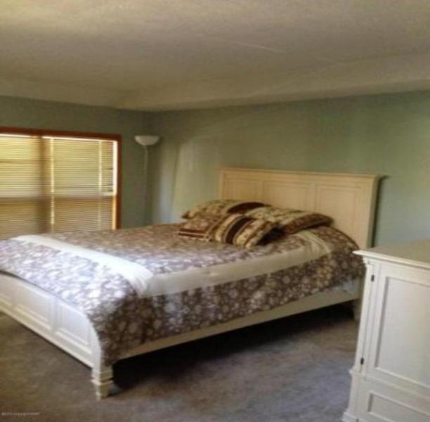 Bedroom - 4 bedroom house - East Stroudsburg - rentals