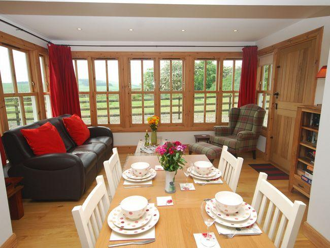 Smart kitchen/ dining room open plan to sunroom - AN47M - Angus - rentals