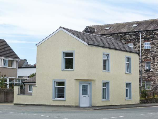TOWN BECK COTTAGE, detached, pet-friendly, ideal touring base, in Ulverston, Ref 914672 - Image 1 - Ulverston - rentals