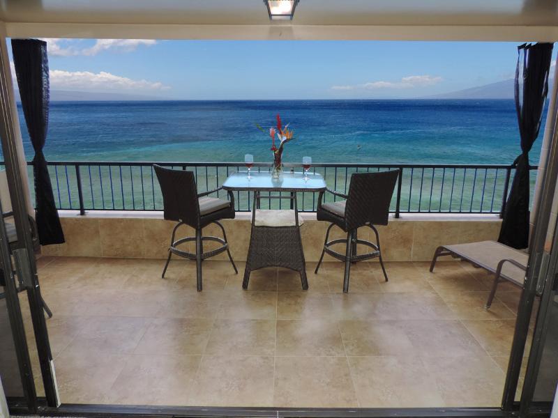 Expansive open lanai no windows or screens blocking amazing views - Maui Kai 805 open lanai 180 degree views - Kaanapali - rentals