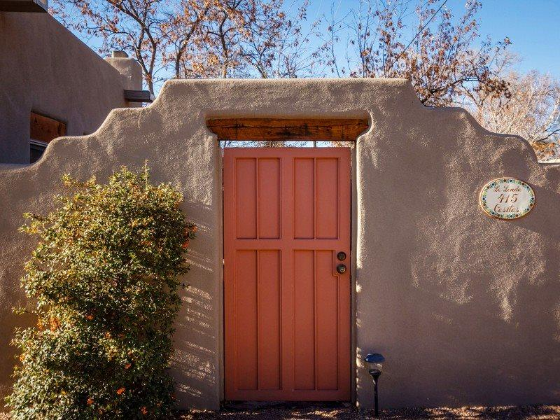Kiva Perfect for Two Couples, Lovely Kiva Fire Place - Image 1 - Santa Fe - rentals