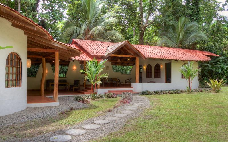 Tropical house near beach, sleeps 6 - Image 1 - Punta Uva - rentals