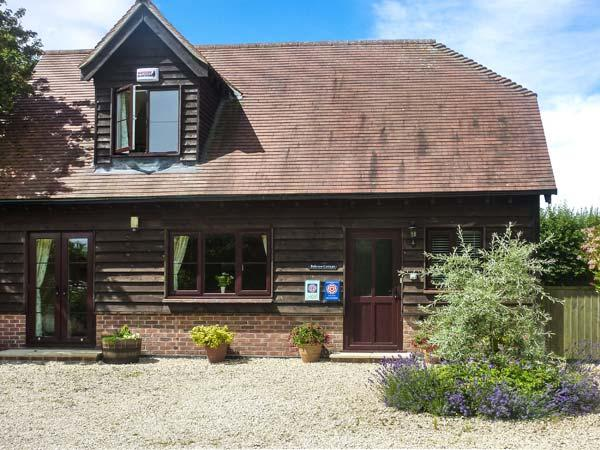 BELVIEW COTTAGE, WiFi, enclosed garden with furniture, electric stove, Ref 1357 - Image 1 - Sturminster Newton - rentals