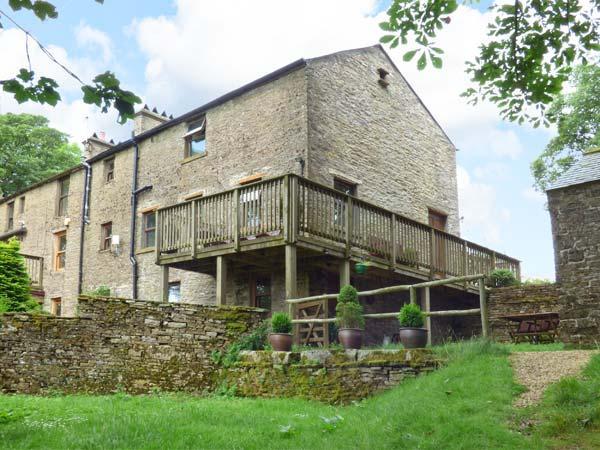 CHESTNUT, Jacuzzi baths, en-suite bedrooms, over three floors, Ref. 905622 - Image 1 - Alston - rentals