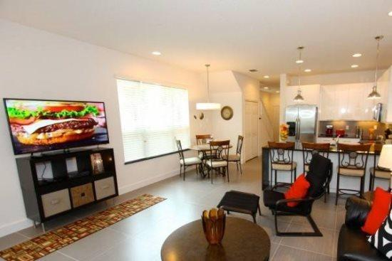 3 Bed 3 Bath Townhome With Splash Pool And Balcony. 17504PA - Image 1 - Orlando - rentals