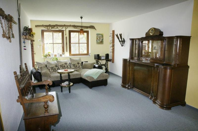 Living Room (1) - Vacation Apartment in Königstein (Saxony) - 969 sqft, comfortable, rustic furnishings (# 1700) - Koenigstein - rentals