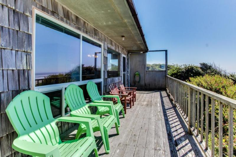 Dog-friendly, oceanfront home w/ beach views and full kitchen - Image 1 - Waldport - rentals