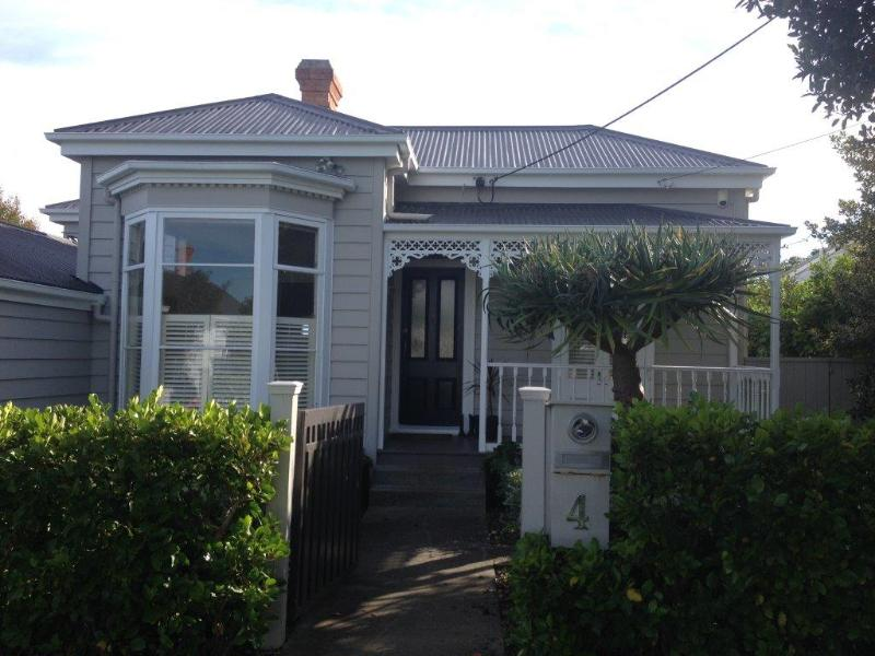 "Alison House - ""Alison House""    Swimming pool, spa, trampoline!! - Devonport - rentals"