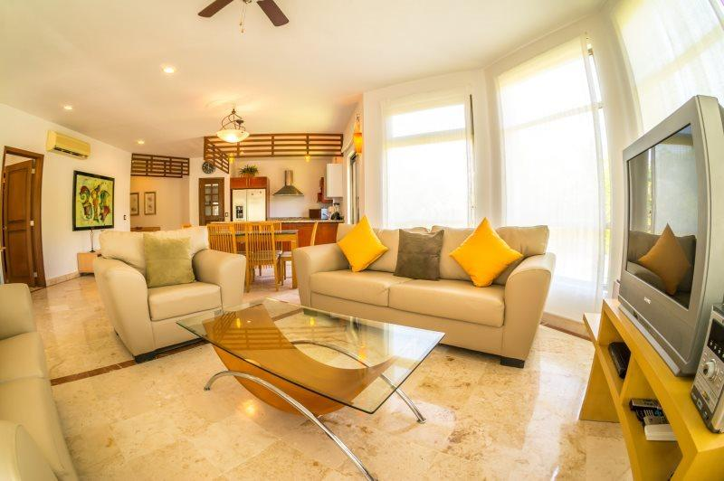 Great Floor plan and lush, private Terrace - Image 1 - Playa del Carmen - rentals
