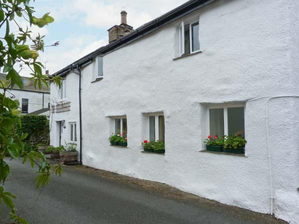 BECKFOLD COTTAGE, semi-detached, woodburner, parking, garden, near Ulverston, Ref 22161 - Image 1 - Ulverston - rentals
