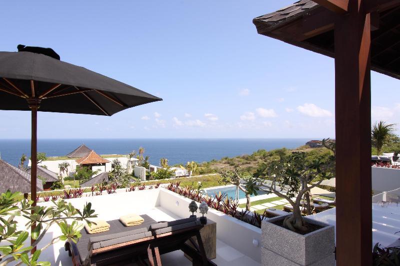 Villa Mewah Angin laut - 4 BR Luxury overlooking to Pacific Ocean - Image 1 - Ungasan - rentals