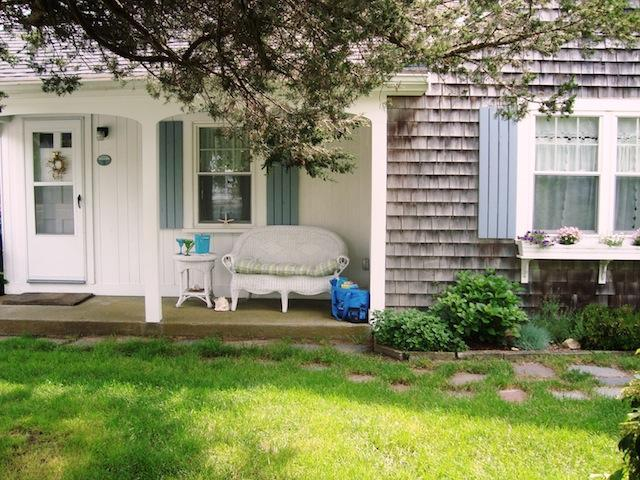 Front condo unit with private porch - 767 Route 28 #9 Harwich Port Cape Cod New England Vacation Rentals - 767 Route 28 Unit 9 Harwich Port Cape Cod - Harwich Port - rentals