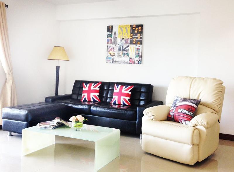 Brilliant 2 Bedroom Condo in the Heart of Hua Hin - Image 1 - Hua Hin - rentals