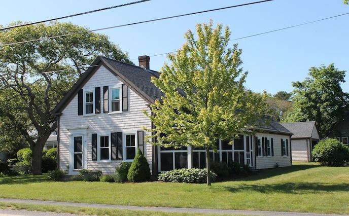 Spacious corner lot with screened porch - 38 Pleasant Street Harwich Port Cape Cod - Harwich Port - rentals