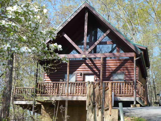 Sky High View - Front East Facing View, South Deck Area Faces Great Smoky National Park and Mt. LeConte - SKY HIGH VIEW: Private Gated Resort Community: Lux - Pigeon Forge - rentals