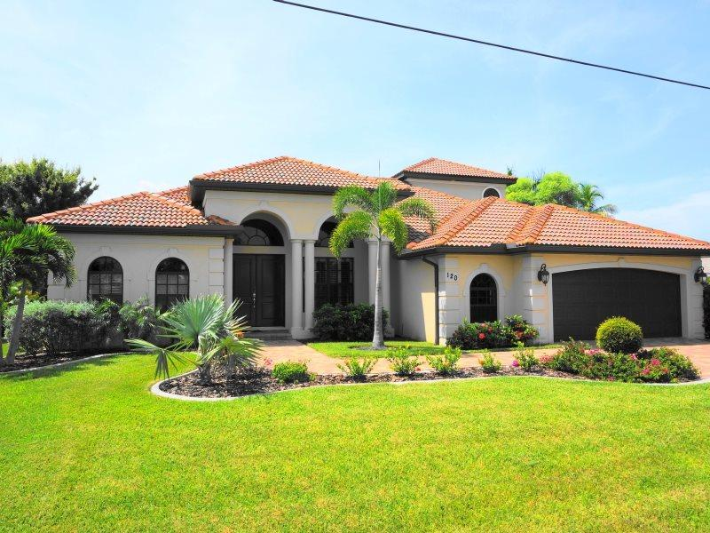 Front - Signature - 3 Bedrooms, Heated Pool and Spa, Gulf Access, Southern Exposure - Cape Coral - rentals