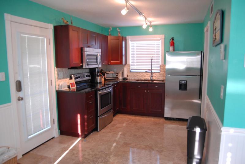 Suite D - Granite Kitchen - Ohana Hale Beachside  2 Bedroom with Gulf View - Bradenton Beach - rentals